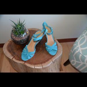 Turquoise blue cloth sandals